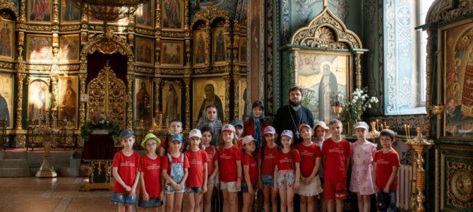 В храме была проведена экскурсия для гимназистов